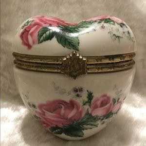 ☘️Puffy Heart Shaped Rose Trinket/Jewelry Box☘️